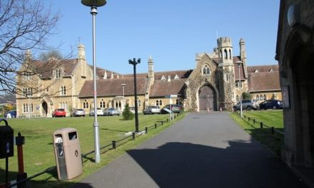 University of Gloucestershire decides to ditch the word 'freshers'